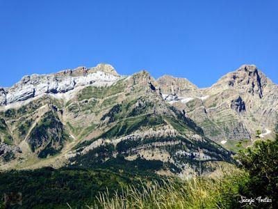 P1270389 - En la tirolina del Valle de Tena. Pirineo de Huesca.