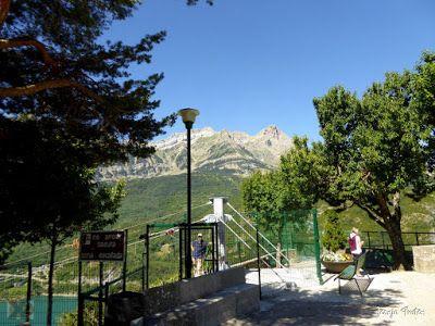 P1270391 - En la tirolina del Valle de Tena. Pirineo de Huesca.