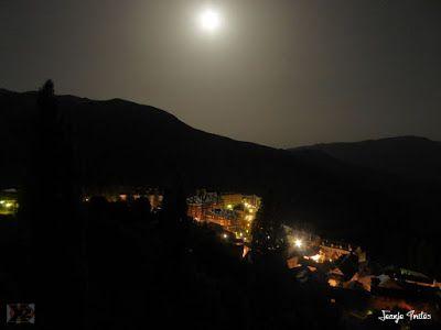 P1270495 - Luna llena y calima, calor en el Valle de Benasque.