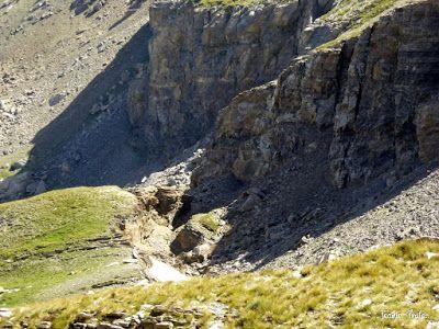 P1270701 - Entre sarrios por Ardonés, Valle de Benasque.