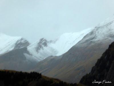 P1300086 - Nieve, otoño, esto está cerca, Cerler (Valle de Benasque)