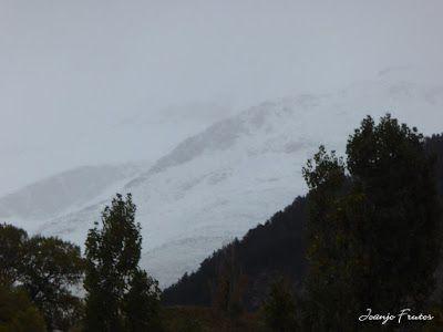 P1300093 - Nieve, otoño, esto está cerca, Cerler (Valle de Benasque)