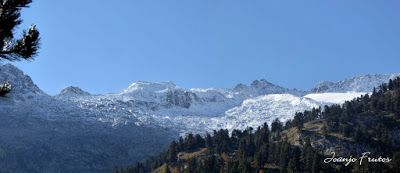 Panorama5 - Maladetas más nevada, Valle de Benasque