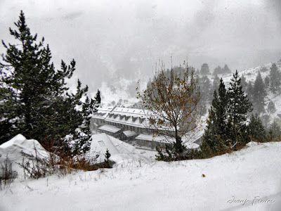 P1310142 fhdr - Y esquiamos hasta Llanos del Hospital desde La Besurta, Valle de Benasque.