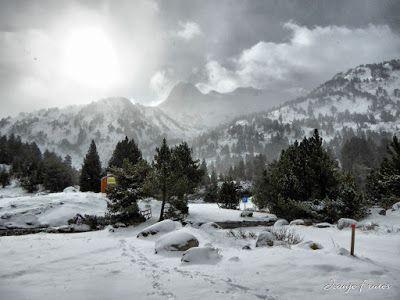 P1310145 fhdr - Y esquiamos hasta Llanos del Hospital desde La Besurta, Valle de Benasque.