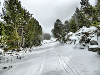 P1310176 fhdr - Y esquiamos hasta Llanos del Hospital desde La Besurta, Valle de Benasque.