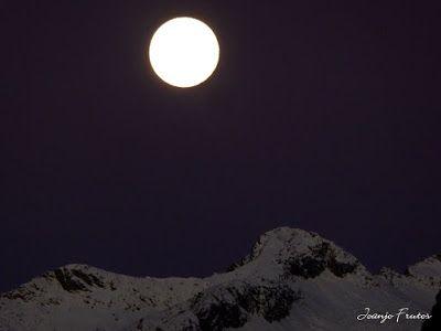 P1310268 - Jugando con la Luna, Valle de Benasque