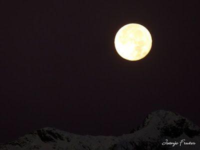 P1310273 - Jugando con la Luna, Valle de Benasque