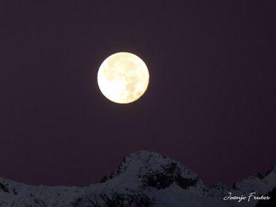 P1310278 - Jugando con la Luna, Valle de Benasque