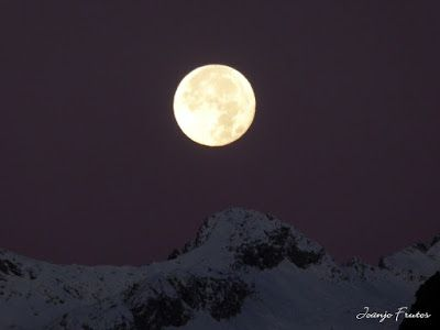 P1310281 - Jugando con la Luna, Valle de Benasque