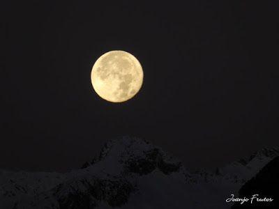P1310282 - Jugando con la Luna, Valle de Benasque