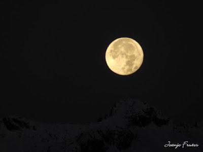 P1310283 - Jugando con la Luna, Valle de Benasque