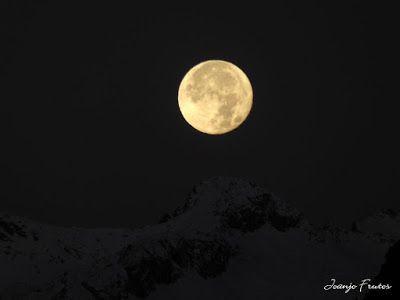 P1310285 - Jugando con la Luna, Valle de Benasque