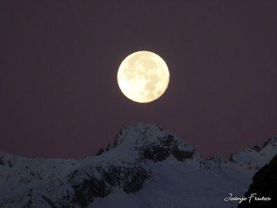 P1310286 - Jugando con la Luna, Valle de Benasque