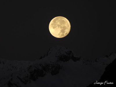 P1310287 - Jugando con la Luna, Valle de Benasque