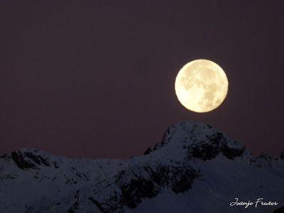P1310289 - Jugando con la Luna, Valle de Benasque