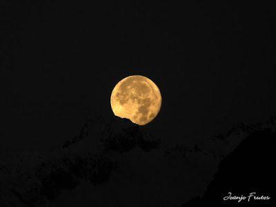 P1310294 - Jugando con la Luna, Valle de Benasque