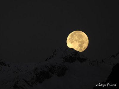 P1310295 - Jugando con la Luna, Valle de Benasque