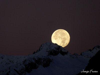 P1310296 - Jugando con la Luna, Valle de Benasque