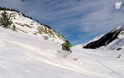 GOPR1121 003 - Volando con Esquí Club Cerler Aneto.