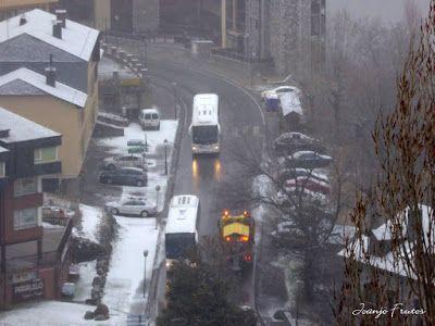 P1320648 - Ya tocaba, vuelve a nevar en Cerler, Valle de Benasque.