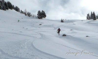 P1000578 007 - Powder day y caminatas buscando ...