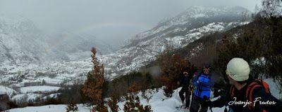 Panorama5 001 1 - Bajando a Anciles y Benasque, skimo.