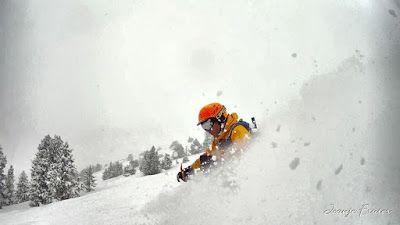 MOV 0007 008 fhdr - Nevada de invierno en Cerler, pero es primavera ...