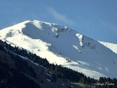 P1040218 - Mayo y vuelve la nieve al Valle de Benasque.