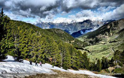 P1040276 fhdr 001 - Nos ha nevado en el pico de Castanesa, Valle de Benasque.