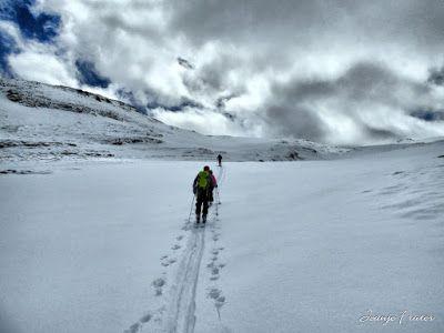 P1040290 fhdr 001 - Nos ha nevado en el pico de Castanesa, Valle de Benasque.