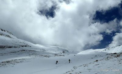P1040349 - Nos ha nevado en el pico de Castanesa, Valle de Benasque.