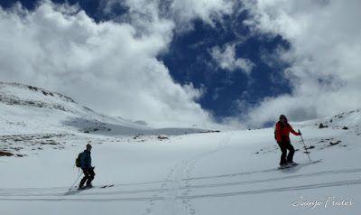 P1040365 - Nos ha nevado en el pico de Castanesa, Valle de Benasque.