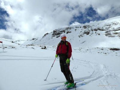 P1040368 - Nos ha nevado en el pico de Castanesa, Valle de Benasque.