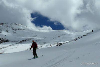 P1040377 001 - Nos ha nevado en el pico de Castanesa, Valle de Benasque.