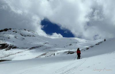 P1040385 - Nos ha nevado en el pico de Castanesa, Valle de Benasque.