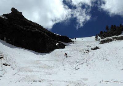 P1040396 - Nos ha nevado en el pico de Castanesa, Valle de Benasque.