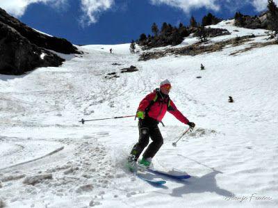 P1040401 fhdr 001 - Nos ha nevado en el pico de Castanesa, Valle de Benasque.