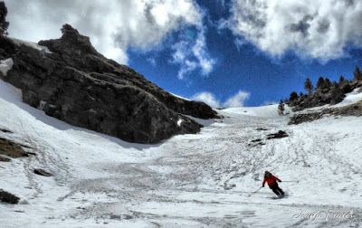 P1040411 fhdr 001 - Nos ha nevado en el pico de Castanesa, Valle de Benasque.