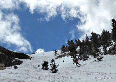 P1040422 fhdr 001 - Nos ha nevado en el pico de Castanesa, Valle de Benasque.