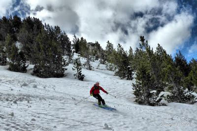 P1040426 fhdr 001 - Nos ha nevado en el pico de Castanesa, Valle de Benasque.