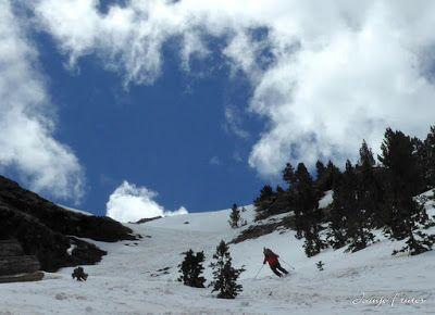 P1040431 - Nos ha nevado en el pico de Castanesa, Valle de Benasque.