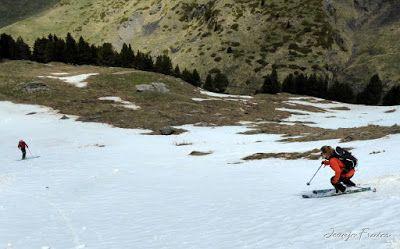 P1040439 - Nos ha nevado en el pico de Castanesa, Valle de Benasque.