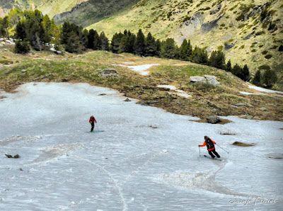 P1040441 fhdr 001 - Nos ha nevado en el pico de Castanesa, Valle de Benasque.