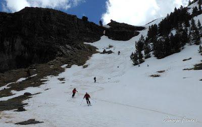 P1040450 - Nos ha nevado en el pico de Castanesa, Valle de Benasque.