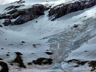 P1040686 fhdr - Clots de Ampriu, debajo del Tozal del Portet, Cerler