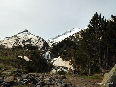 P1040827 - Romería en el Aneto, vistas desde Aigualluts, Pirineo.