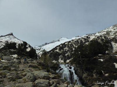 P1040836 - Romería en el Aneto, vistas desde Aigualluts, Pirineo.
