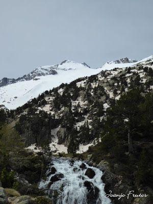 P1040837 - Romería en el Aneto, vistas desde Aigualluts, Pirineo.