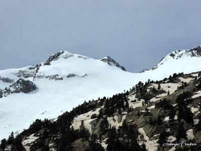 P1040854 - Romería en el Aneto, vistas desde Aigualluts, Pirineo.